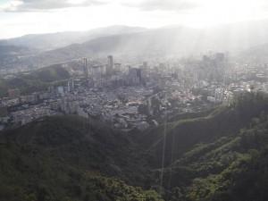 vue de Caracas depuis le parc Avila